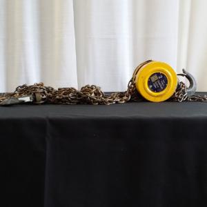 Chain Hoist Image