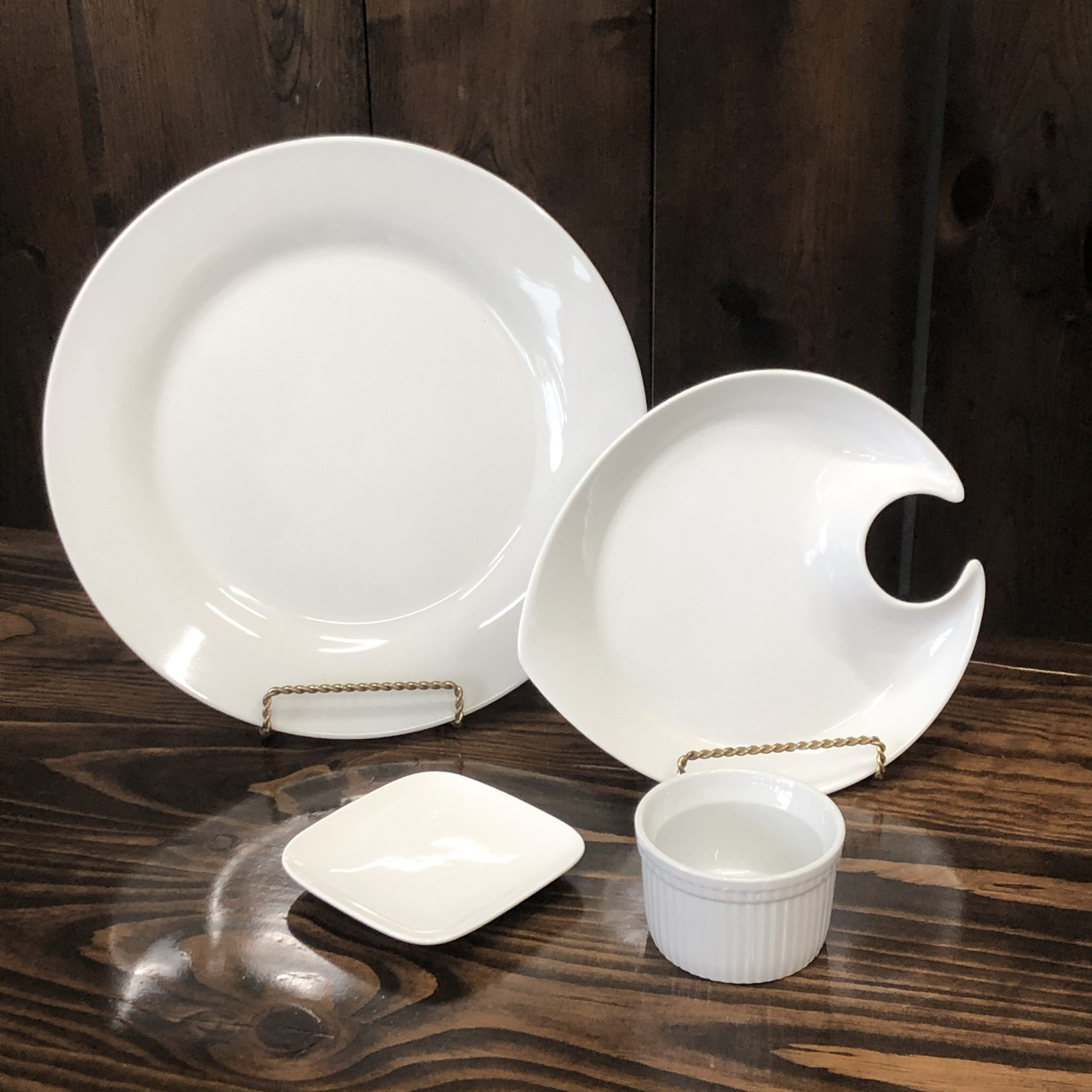 Assorted Dishware & Accessories Image